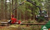 traktor s hydraulickou rukou a kácecdí hlavicí