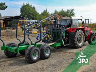9 tunová vyvážečka Farma, dosah hydraulické ruky 6,3 metrů + traktor Zetor 12145