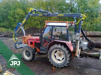 Hydraulická ruka Farma C 7,0 G2 a traktor Zetor 7245