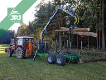 Traktor Zetor + vyvážečka dřeva Farma CT 6,3-9