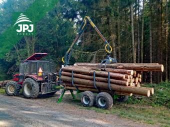 Traktorový vyvážecí vlek Farma - nosnost 8 tun + traktor Belarus