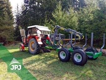 Vyvážecí vlek Farma CT 3,8-6 G2 s traktorem Zetor 7011